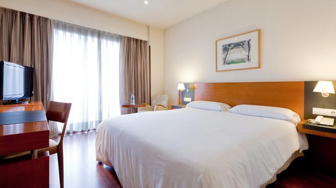 马德里戴安娜城市机场酒店 - 马德里 - 睡房
