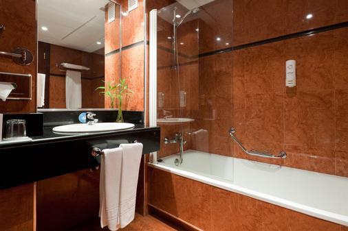 马德里戴安娜城市机场酒店 - 马德里 - 浴室