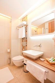 奥莱亚诺瓦酒店 - 卡什 - 浴室