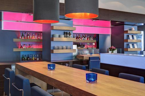 汉堡阿尔托纳城际酒店 - 汉堡 - 酒吧
