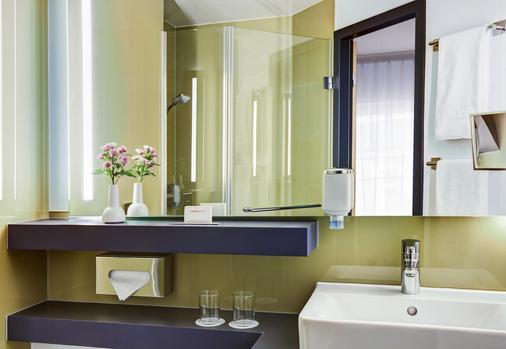 汉堡阿尔托纳城际酒店 - 汉堡 - 浴室