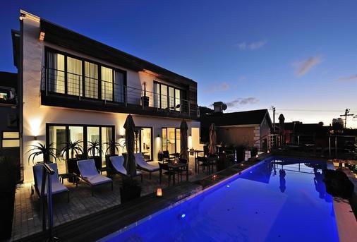 戴斯精品酒店 - 开普敦 - 游泳池