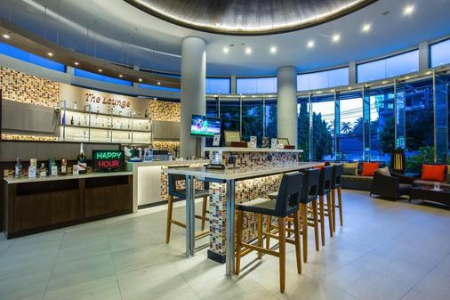 Deevana Plaza Phuket - 芭东 - 酒吧
