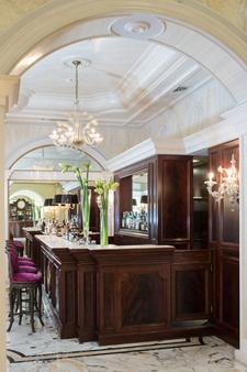 德班斯大酒店 - 里乔内 - 酒吧
