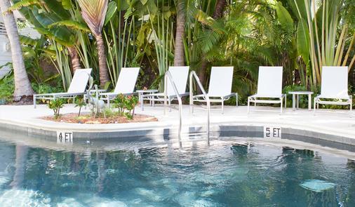 天堂宾馆 - 基韦斯特 - 游泳池