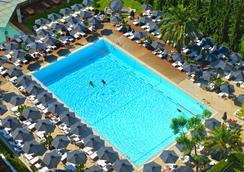 雅典希尔顿酒店 - 雅典 - 游泳池