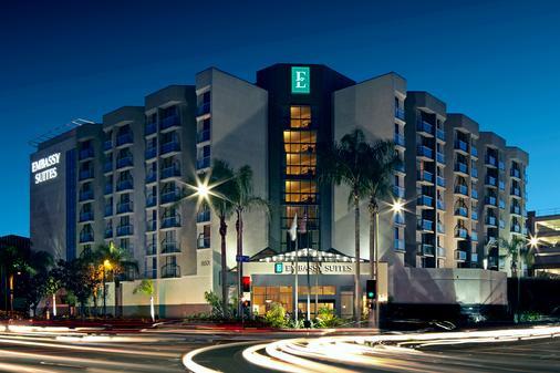 洛杉矶国际机场北使馆套房酒店 - 洛杉矶 - 建筑