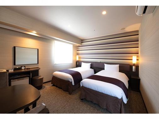 金泽维雅酒店 - 金泽市 - 睡房
