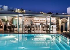 圣托里尼基萨莫斯度假酒店 - 费拉 - 游泳池