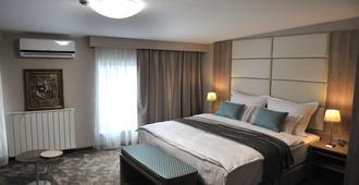 Vip酒店 - 萨拉热窝 - 睡房