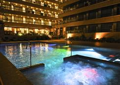 伊潘内玛海滩酒店 - 埃尔阿雷纳尔 - 游泳池