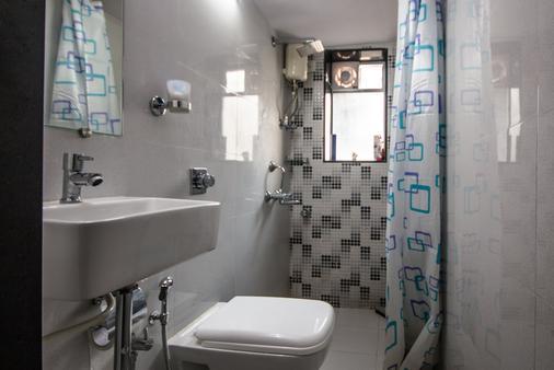熊猫孟买趣味背包客饭店 - 孟买 - 浴室