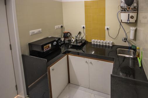 熊猫孟买趣味背包客饭店 - 孟买 - 厨房