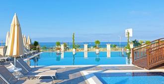亚洲海滩度假村 & Spa酒店 - 阿拉尼亚 - 海滩