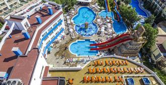 Kuban Resort & Aquapark - 内塞巴尔 - 游泳池