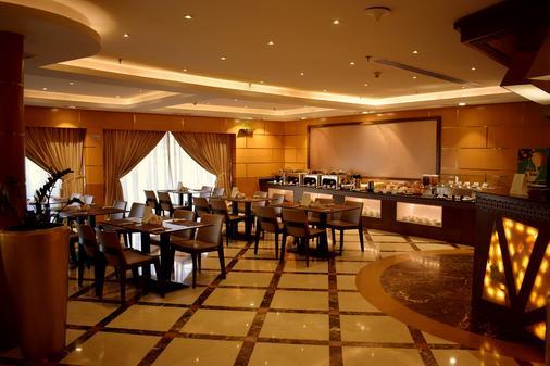阿联酋星级公寓酒店 - 迪拜 - 自助餐