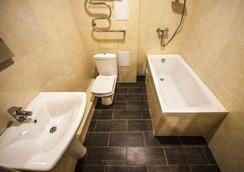 Hotel Pelikan - 克拉斯诺达尔 - 浴室
