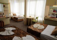 希尔德加德酒店 - 阿拉尼亚 - 睡房