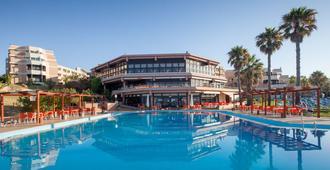 奥拉马海滩度假酒店 - 阿尔布费拉 - 游泳池