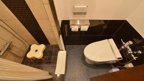 泉崎县厅嘉利吉lch酒店 - 那霸 - 浴室