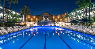 圣尼古拉斯赌场酒店 - 恩塞纳达 - 游泳池