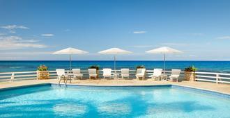 聖蘇西情侶飯店 - - 限情侶 - 欧丘里欧 - 游泳池