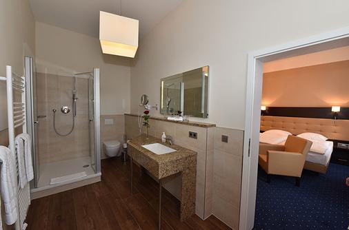 文豪斯沃勒酒店 - 什未林 - 浴室