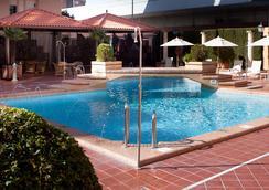 萨雷酒店 - 格拉纳达 - 游泳池