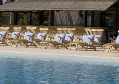 森蒂杜沙滩酒店及spa中心度假村 - 拉纳卡 - 游泳池