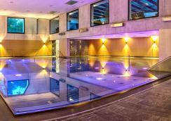 爱上阿尔卑酒店 - 塞费尔德 - 游泳池