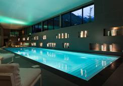赫里欧皮克 SPA 酒店 - 夏蒙尼-勃朗峰 - 游泳池