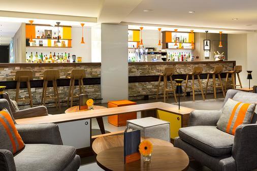 赫里欧皮克 SPA 酒店 - 夏蒙尼-勃朗峰 - 酒吧