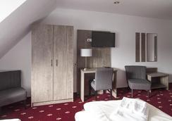 毛瑞尔酒店 - 卡尔斯鲁厄 - 睡房