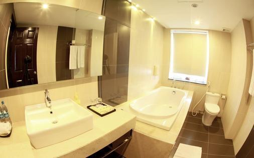 河内阿尼斯酒店 - 河内 - 浴室
