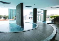 H民宿 - 乔治敦 - 游泳池