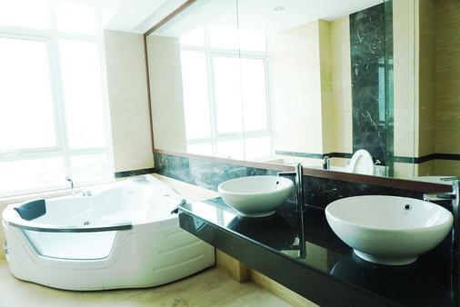 H民宿 - 乔治敦 - 浴室
