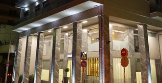 比雷埃夫斯港大酒店 - 比雷埃夫斯 - 建筑