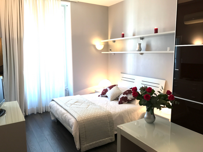 拉玛尔蒂娜酒店 - 尼斯 - 睡房