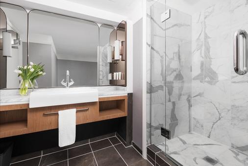 奥克兰朗廷酒店 - 奥克兰 - 浴室