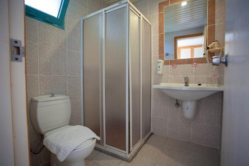 瑞彬海滩酒店 - 费特希耶 - 浴室