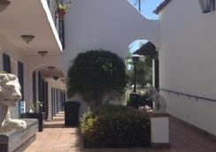 The Mediterraneo Resort - Palm Springs - 户外景观
