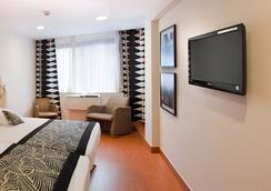 魔岩花园酒店 - 贝尼多姆 - 睡房