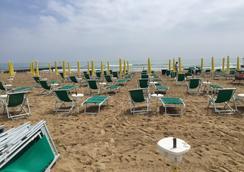Hotel Anny - Jesolo - 海滩