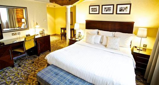 曼彻斯特维多利亚和艾尔伯特万豪酒店 - 曼彻斯特 - 睡房