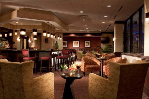 奥斯丁市中心希尔顿花园酒店 - 奥斯汀 - 酒吧