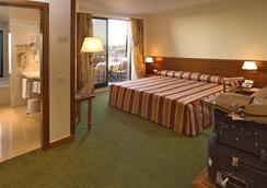 皇家公园酒店 - 里斯本 - 睡房