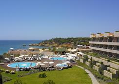 圣欧拉利娅里尔度假大酒店及Spa中心 - 阿尔布费拉 - 游泳池