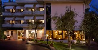 西瑞酒店 - 西尔米奥奈 - 建筑