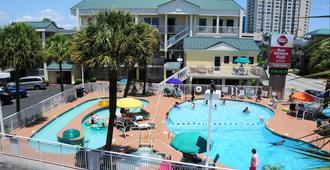 西佳plus大海岸套房酒店 - 默特尔比奇 - 游泳池