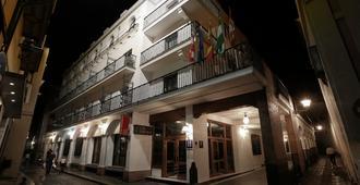 费尔南多三世酒店 - 塞维利亚 - 建筑